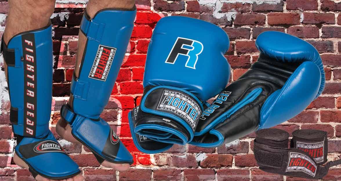 Fighter paket för kampsport där du använder boxhandskar och benskydd
